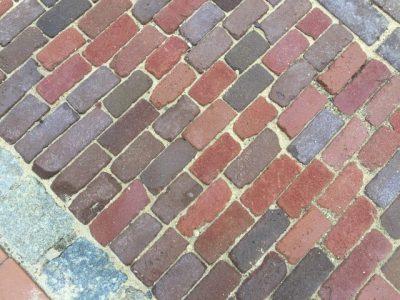 van den Broek product categorie Waalformaat gebakken Mooi voor Sierbestrating Chanelrood (dit zijn ± 3/4, 1/2, 1/4 stenen