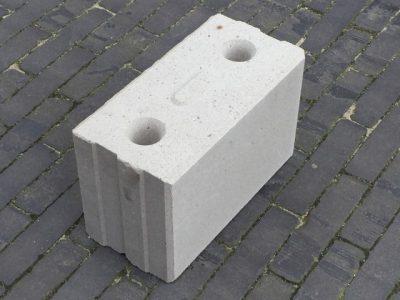 van den Broek product categorie Kalkzandsteen / Lijmblokken l29,7 h19,8 d15,0
