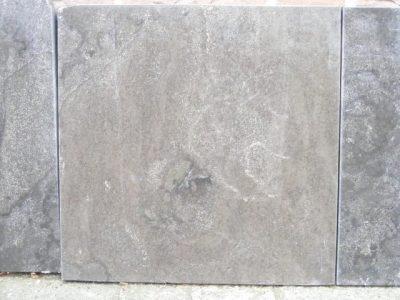 van den Broek product categorie Natuursteentegels 60x60x2,5 Marine Restpartij ± 28,8 m²