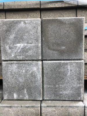 van den Broek product categorie Klinkers dubbel beton Puddygrijs 21x21x8 Restpartij ± 56 m²