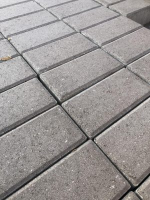 van den Broek product categorie Klinkers beton Elderslo Restpartij ± 14 m²