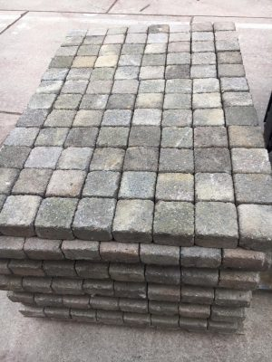 van den Broek product categorie Koppelstones 10x10x6 Zwanenburgbont getrommeld gebruikt Restpartij ± 18,5 m²