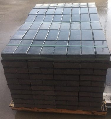 van den Broek product categorie Dijkstrazwart Betonklinkers 10x20x6 Restpartij ± 62m²