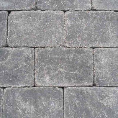 van den Broek product categorie 8965 Koppelstones 20x30x6 getrommeld Tabitazwart Restpartij ± 23,04 m²