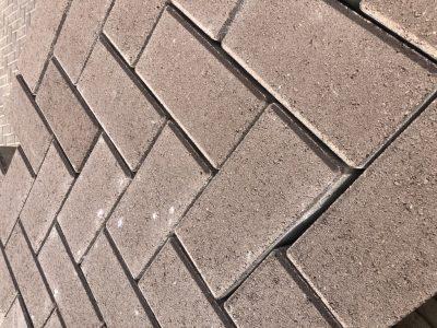 van den Broek product categorie Betonklinkers Penny bruinpaars Restpartij ± 43 m²